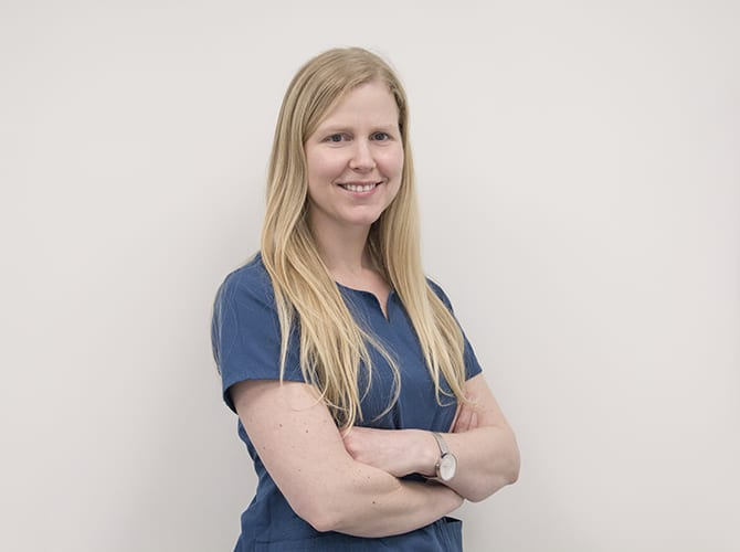 Dra. Stephanie Warren